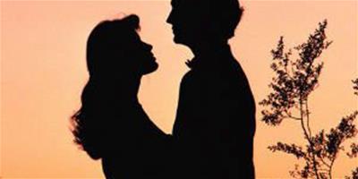 相愛的情侶怎麼維持異地戀?