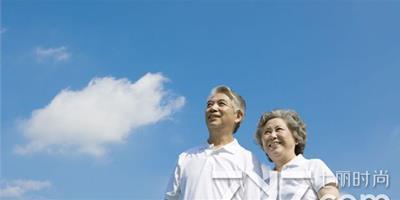 """老年夫妻如何相處 教您簡單相處之道應對""""黃昏離"""""""