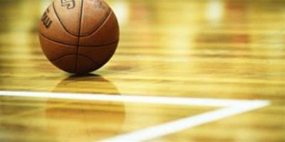 困境中的智慧:把球灌進自家籃筐