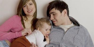 弟弟與媳婦經常吵架 哥哥從中調解和女方發展成情人