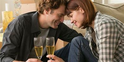 交往中 男人往往會給女人9個幸福假像!